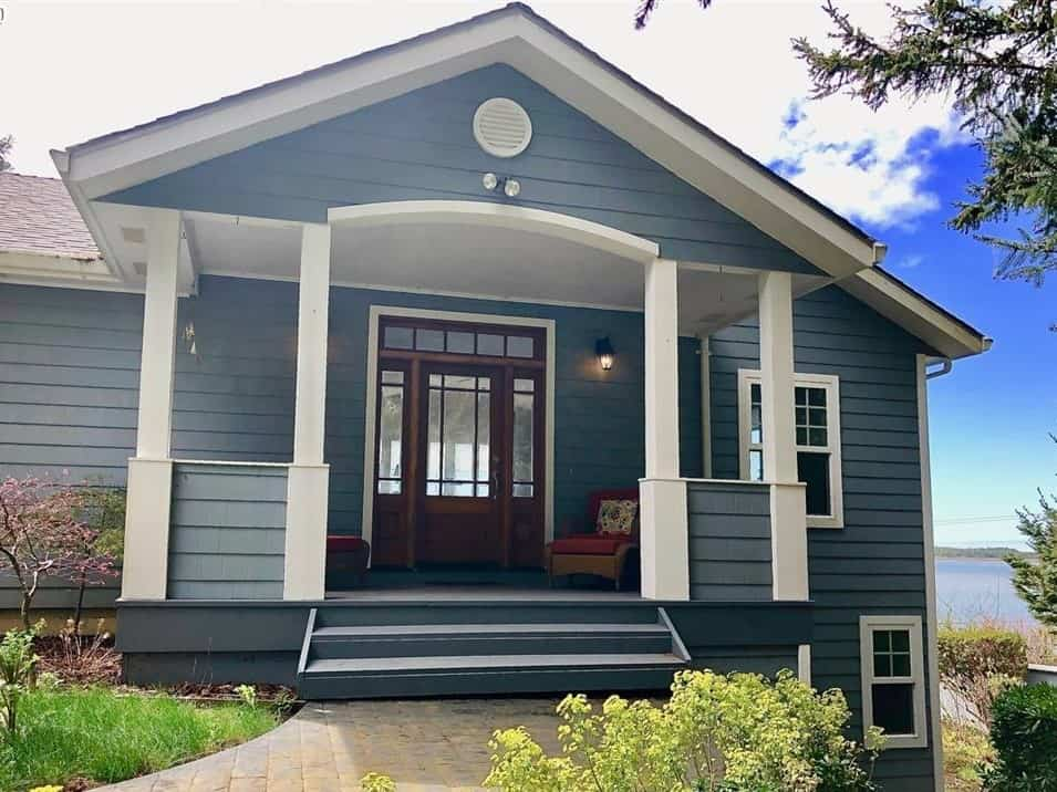 Tillamook home for sale with bay view